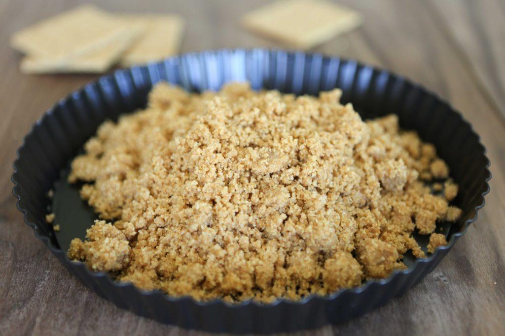 Pour into pie plate or tart tin