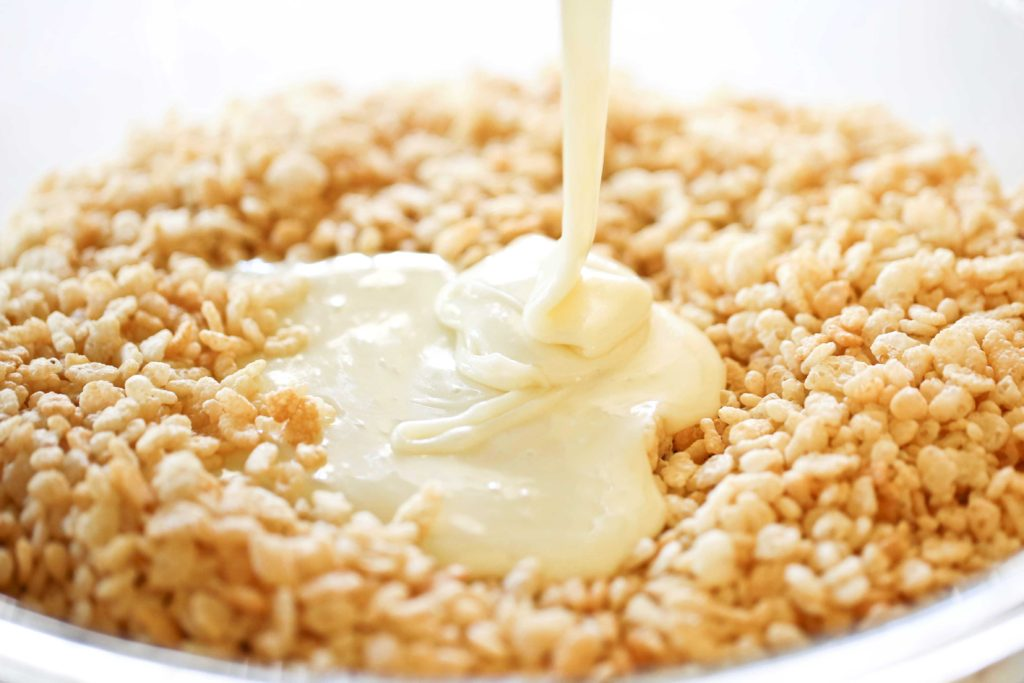 Pour marshmallow/butter mixture over cereal.