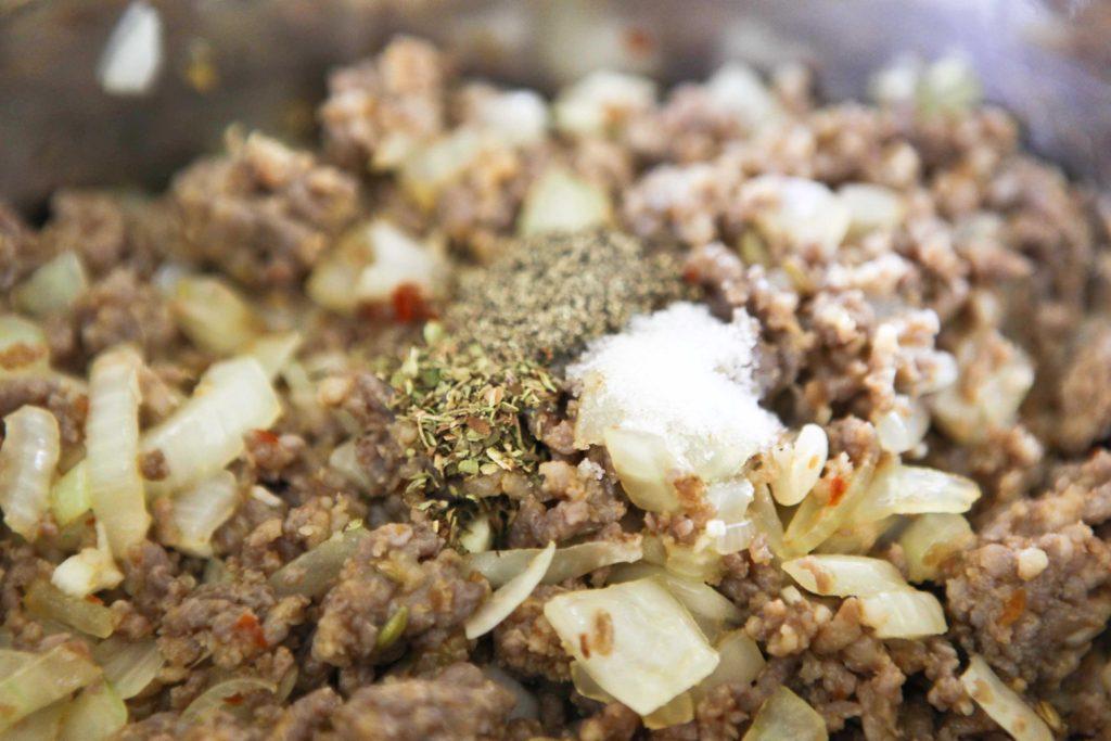 Reduce heat to medium, and stir in ½ teaspoon dry oregano ½ teaspoon salt ½ teaspoon pepper Mix until combined.