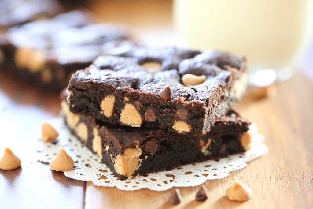 Chewy Chocolate Peanut Butter Chip Cookie Bars